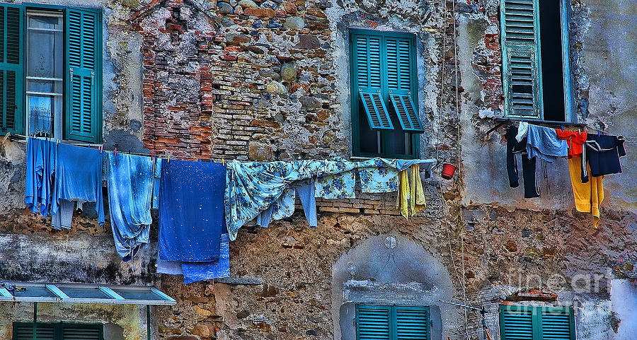 Clothes Line Photograph - Italian Clothes Dryer by Allen Beatty