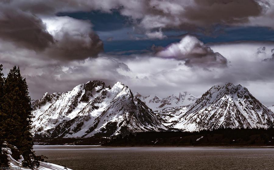 Jackson Lake Peaks by Gaylon Yancy