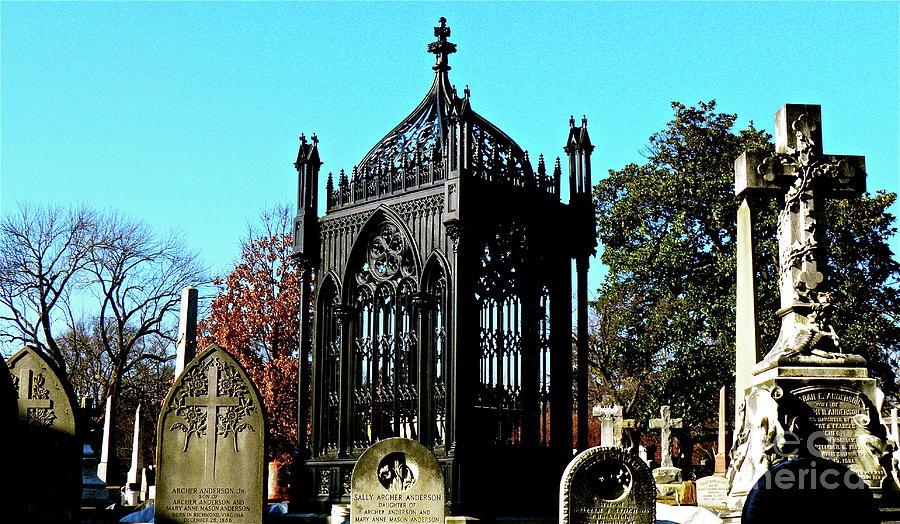 Cemetery Photograph - James Monroe Tomb by E Robert Dee