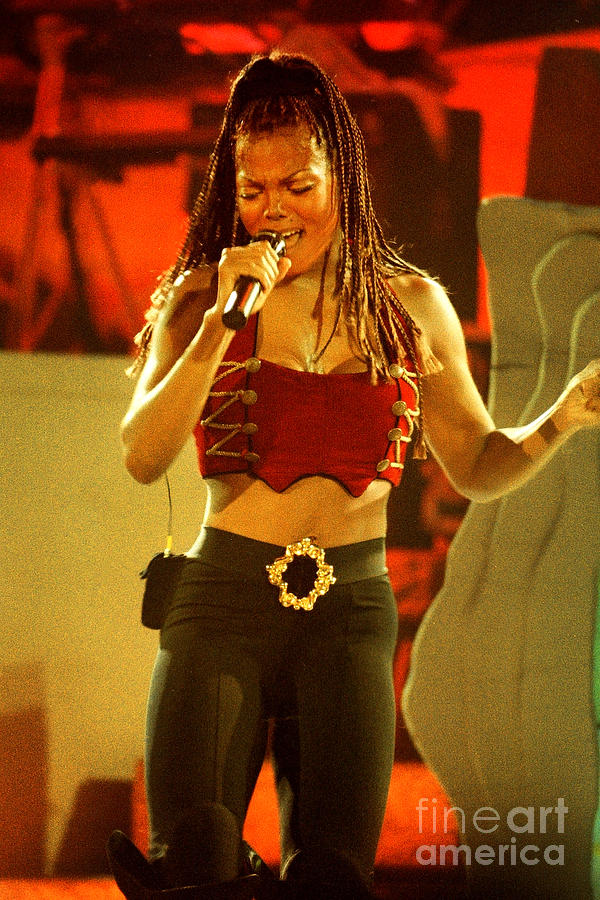 Janet Jackson Photograph - Janet Jackson 94-3000 by Gary Gingrich Galleries