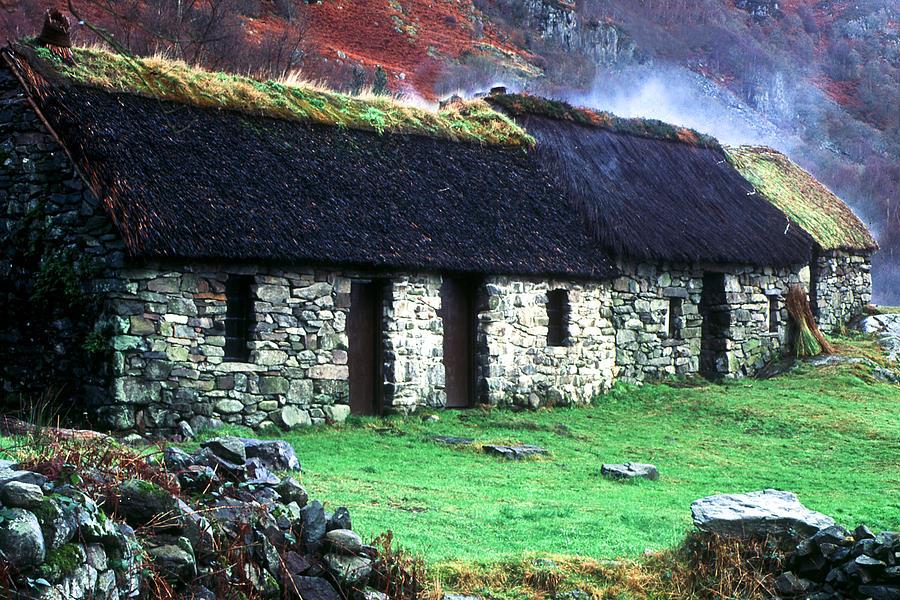 Jean McAlpine's Inn by John McKinlay