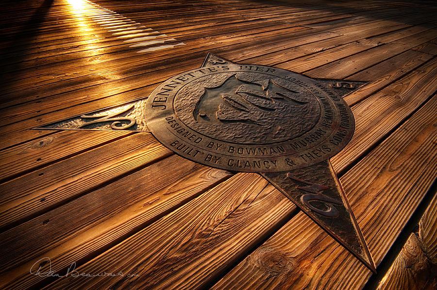 Jennettes Compass Rose 7223 Photograph