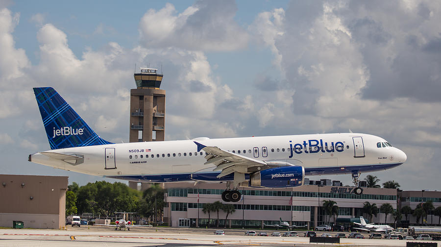 Jetblue Fll Photograph by Dart and Suze Humeston