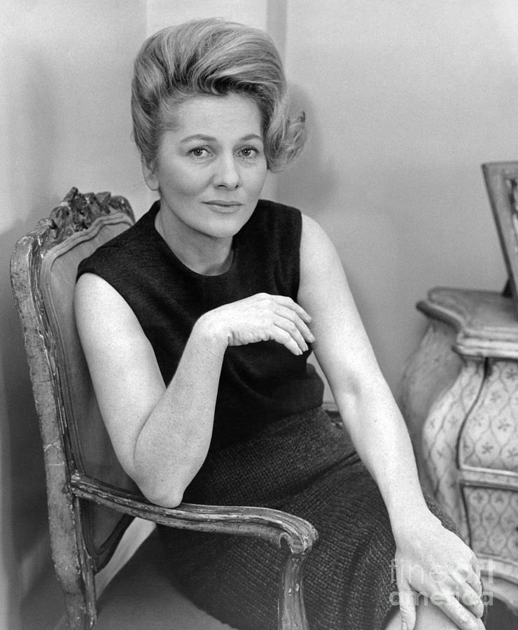 Joan Fontaine Heads Cast Of The Unexpected Guest, An Agatha Christie Mystery For Broadway. 1962 Photograph by William Jacobellis