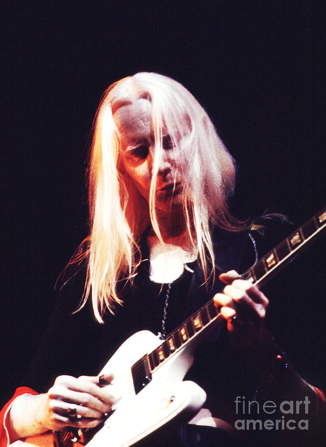 Johnny Winter Photograph - Johnny Winter 1974 by Chris Walter