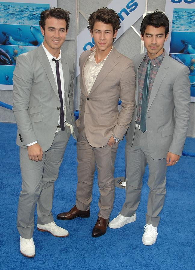Premiere Photograph - Jonas Brothers, Kevin Jonas, Nick by Everett