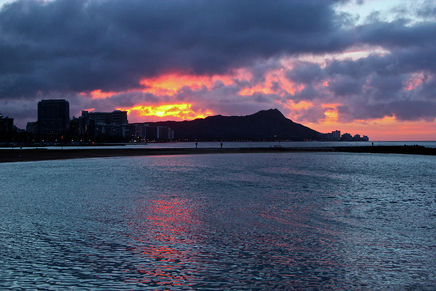 Honolulu Photograph - Just Before Sunrise by Melvin Ah Ching