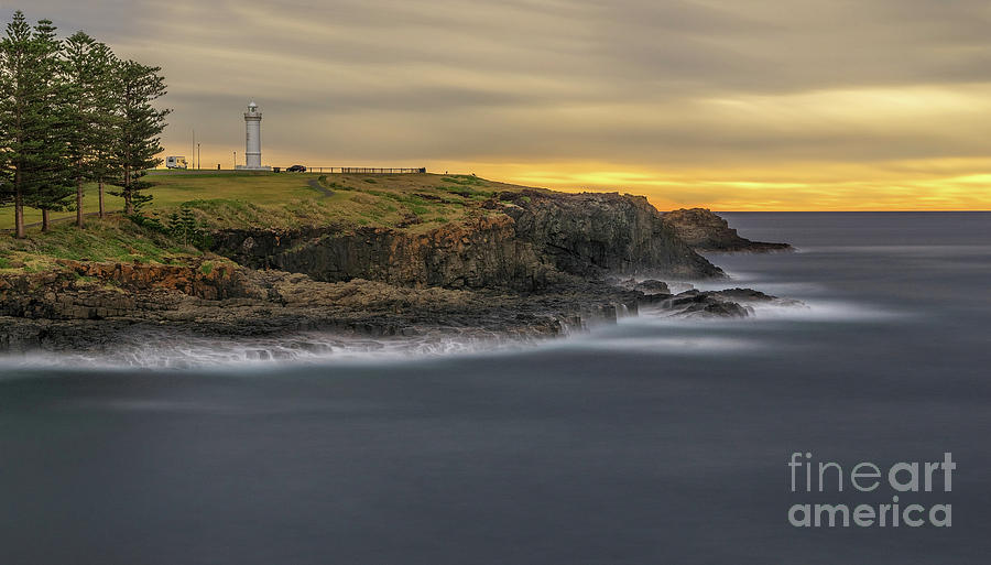 Kiama Dawn by Paul and Helen Woodford