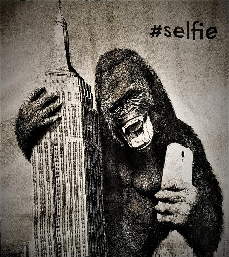 Architecture Photograph - King Kong Selfie by Rob Hans