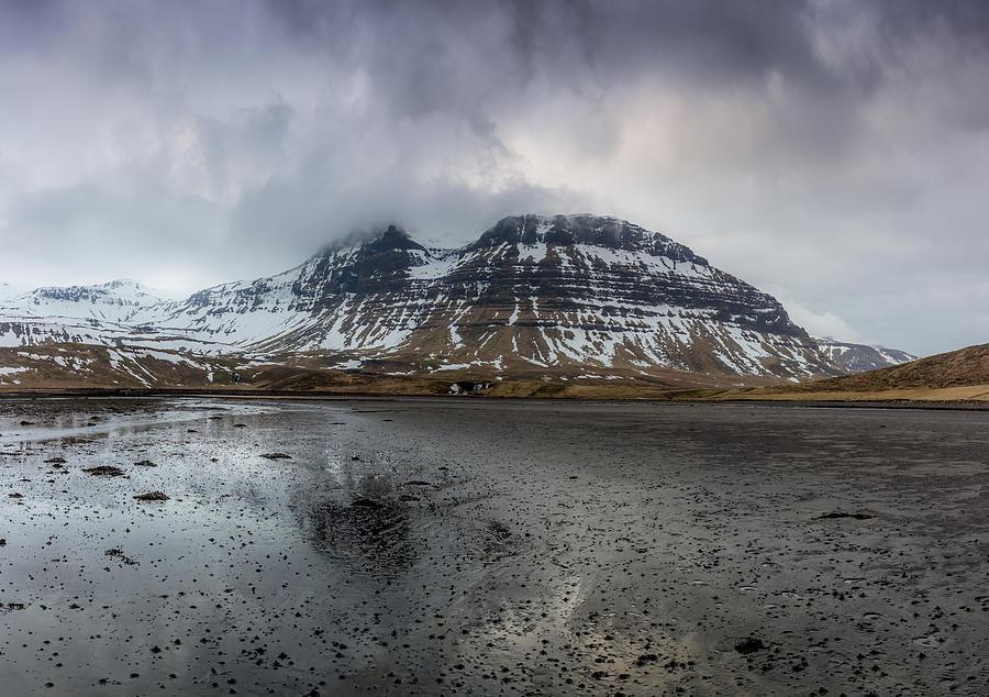 Iceland Photograph - kirkjufellsfoss From Black Beach by Glen Sumner