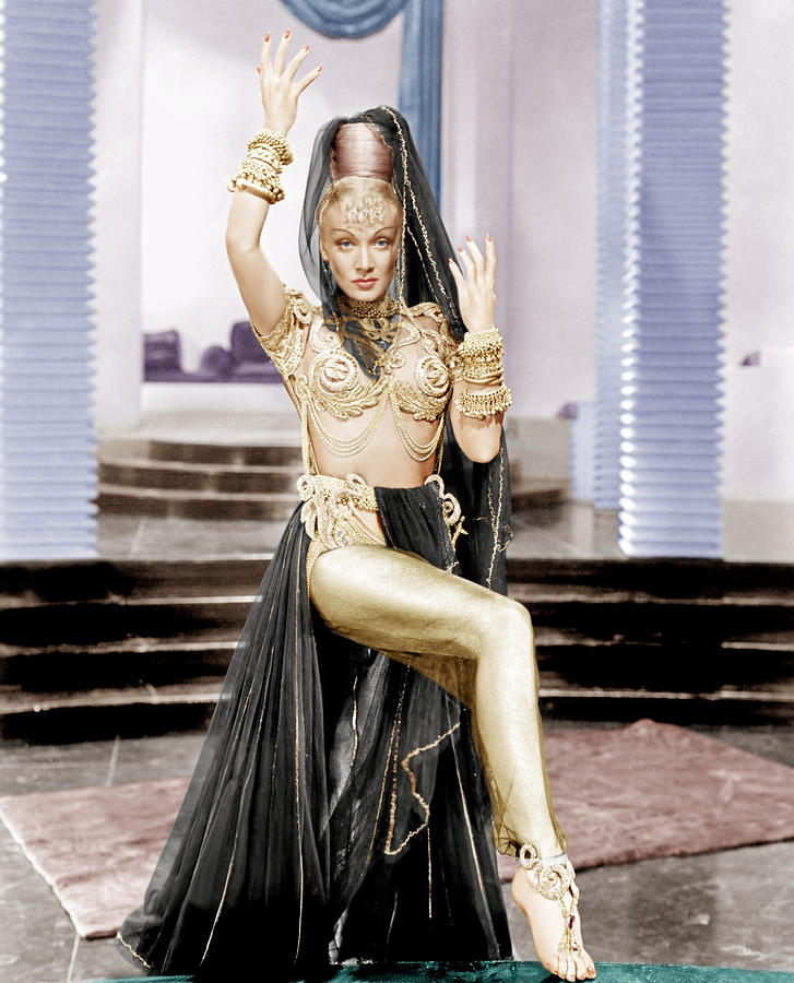 1940s Movies Photograph - Kismet, Marlene Dietrich, 1944 by Everett