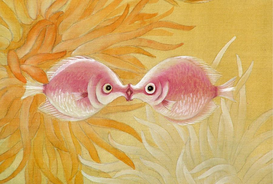 Fish Painting - Kissing Fishes by Ying Wong