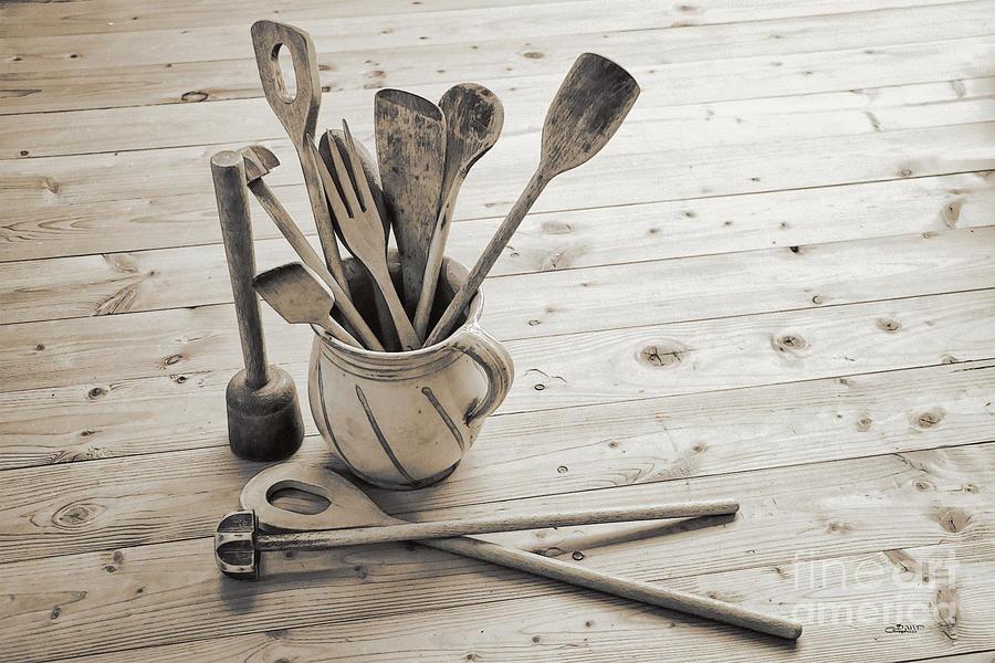 Photo Photograph - Kitchen Utensils by Jutta Maria Pusl