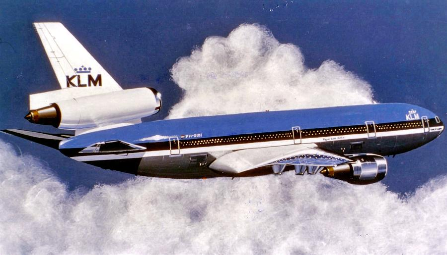 Klm Painting - Klm Dc-10 by Peter Ring Sr
