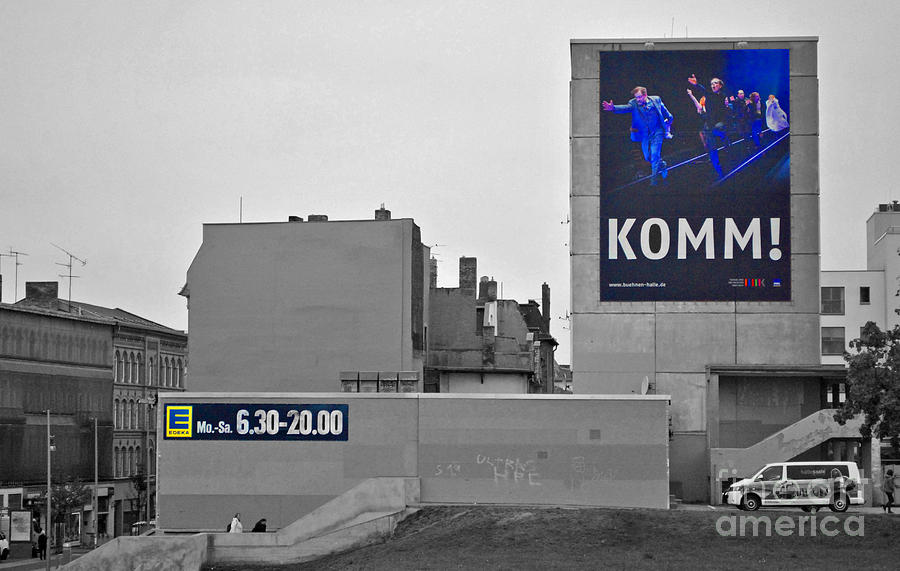Komm Photograph - Komm by Jost Houk