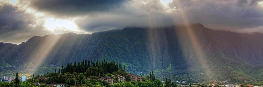 Hawaii Photograph - Koolau Sun Rays by Dan McManus