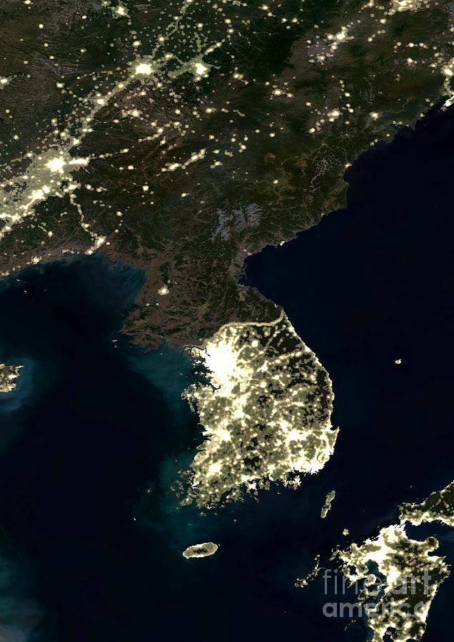 Korea Photograph - Korean Peninsula by Planet Observer and SPL and Photo Researchers