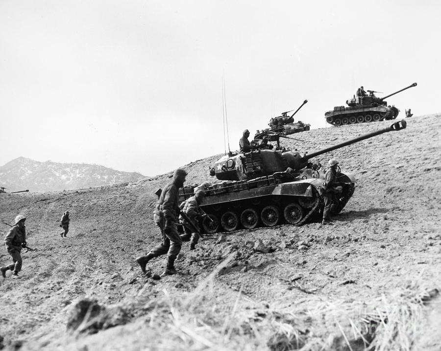 1952 Photograph - Korean War: Infantrymen by Granger