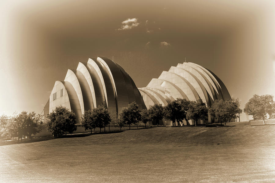 Black And White Photograph - Kauffman Center Of Performing Arts by Melvin Busch