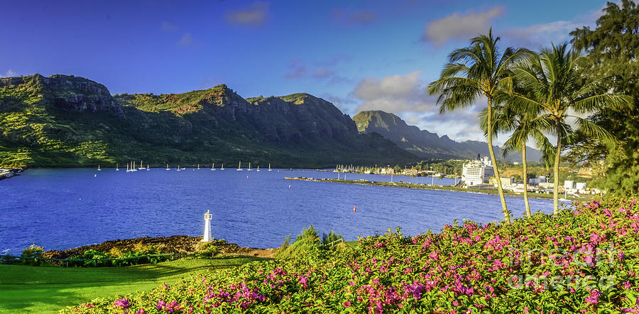 Kuku'i Point Lighthouse, Nawiliwili Bay, Kauai Hawaii by Gary Beeler