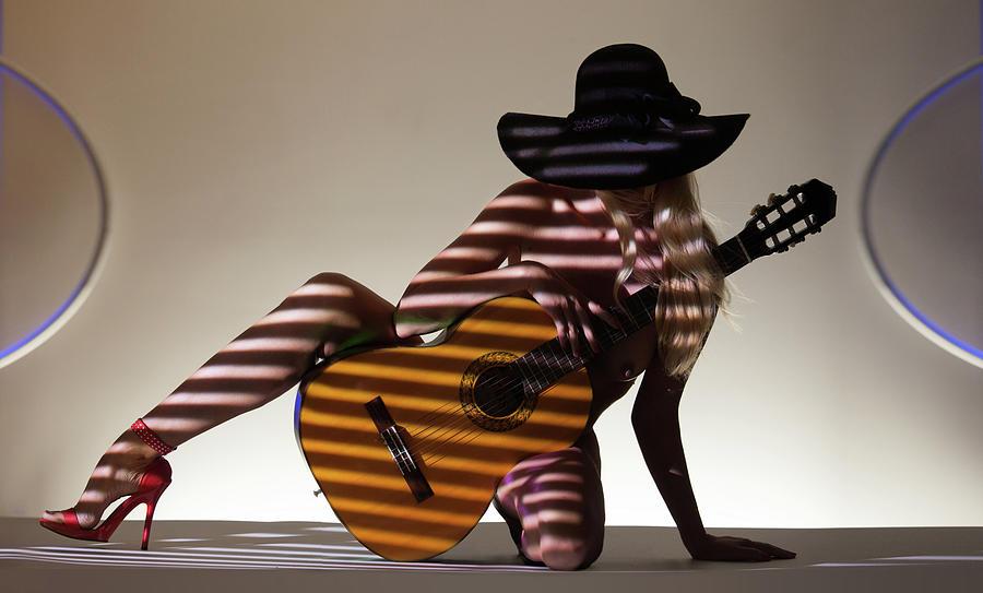 Guitar Photograph - La Guitarista 2 by Dario Infini