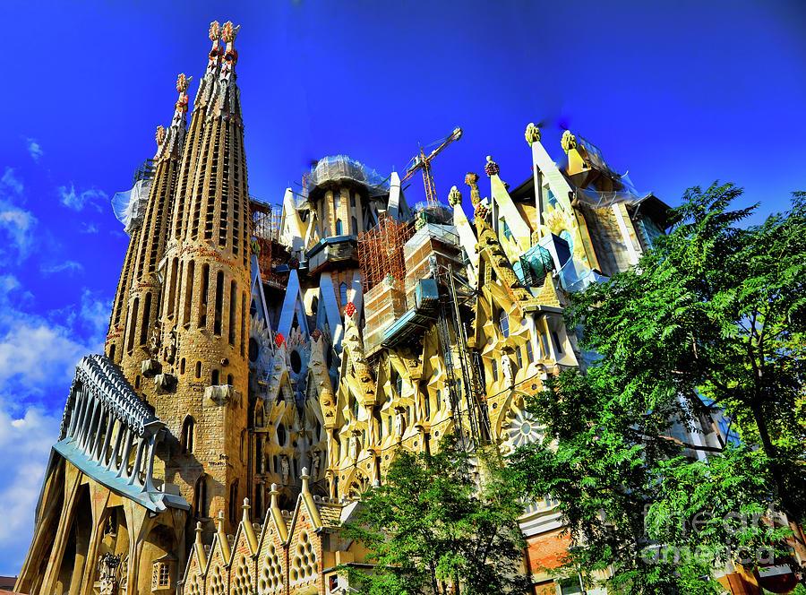 d4ff9e29de Barcelona Photograph - La Sagrada Familia Antoni Gaudi Architect I by Chuck  Kuhn