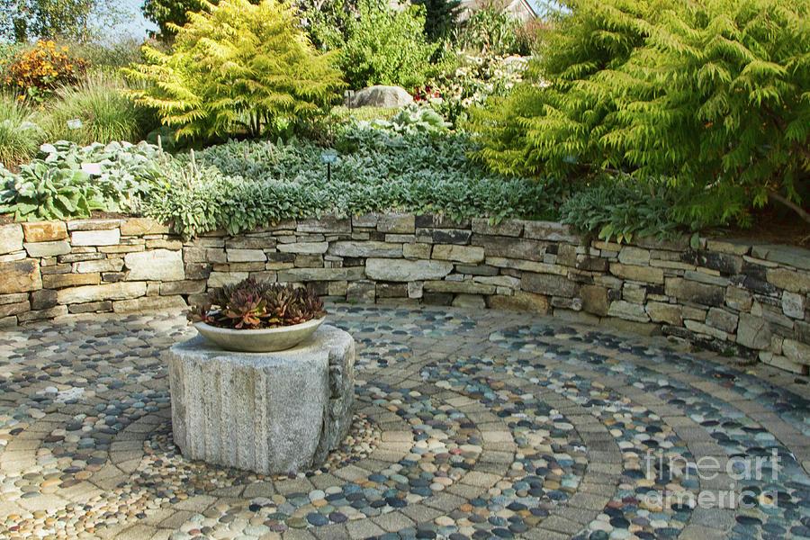 Botanic Gardens Photograph - Labyrinth Garden Detail by Marilyn Cornwell