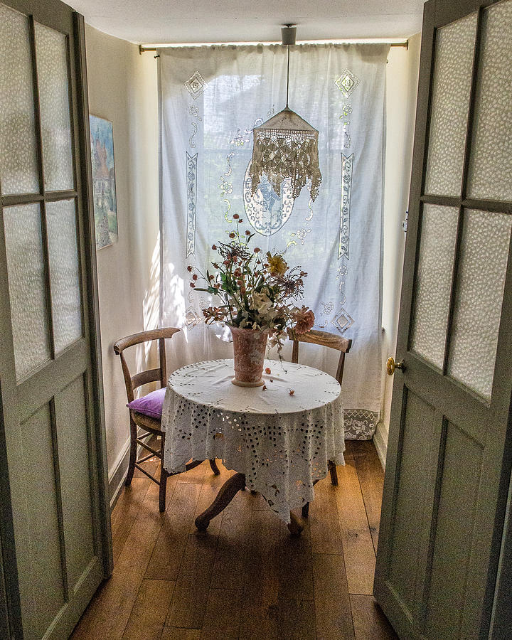 France Photograph - Lacy Alcove by Gary Karlsen