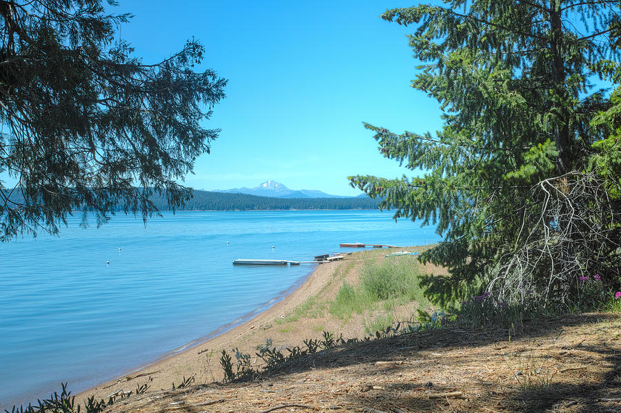 Lake Almanor by Peter Dyke