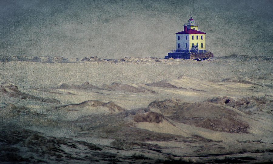 Lake Erie Photograph - Lake Erie Lighthouse by William Schmid