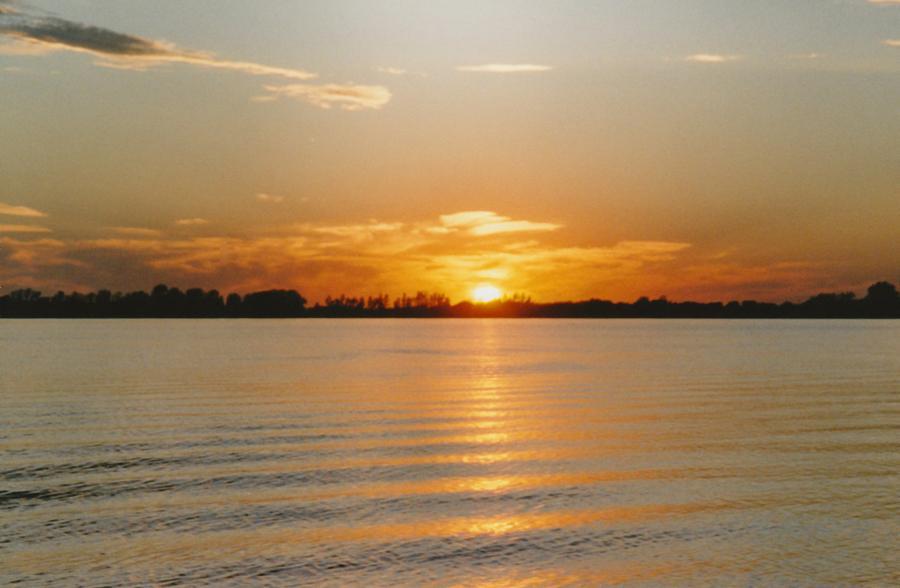 Sun Photograph - Lake Ripley Sundown Litchfield Mn by Gene Linder