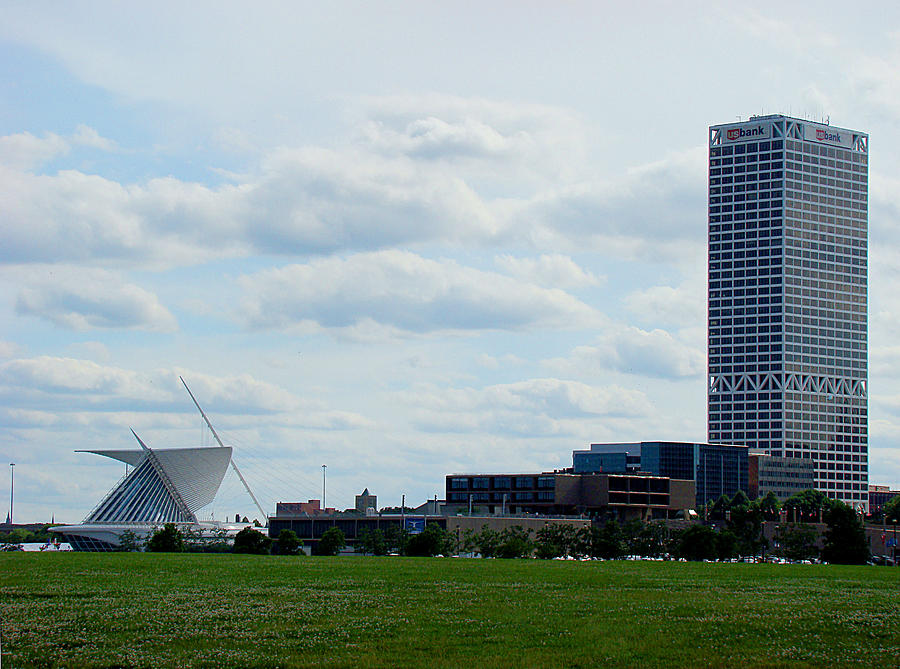 Milwaukee Photograph - Lakefront Attractions by Todd Zabel