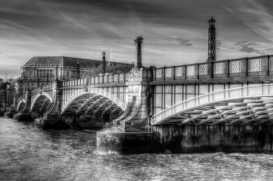 London Photograph - Lambeth Bridge London by David Pyatt