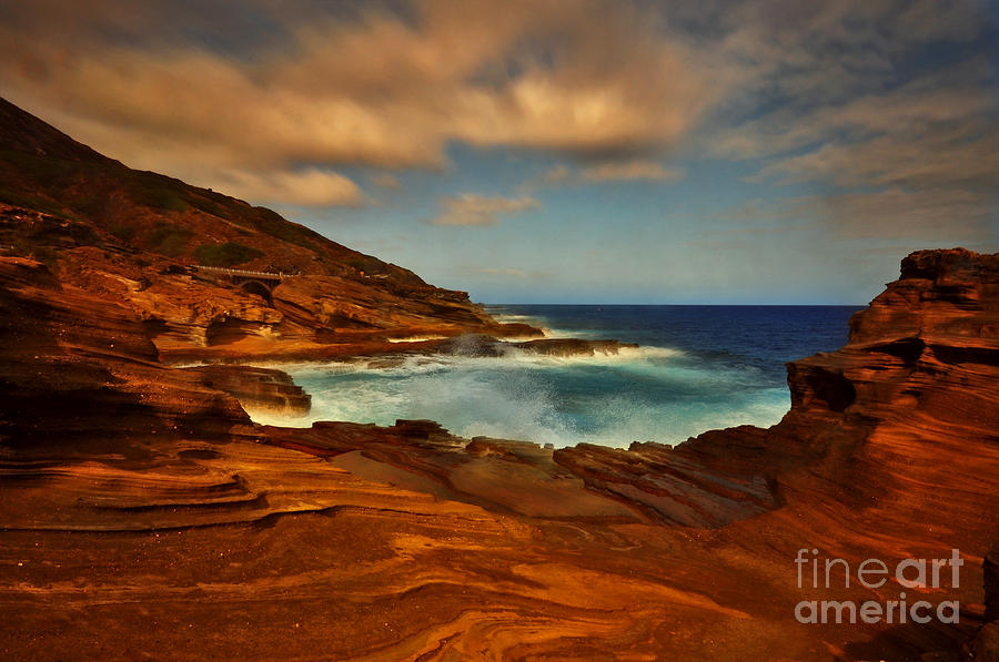 Lanai Lookout Hawaii  by Von McKnelly
