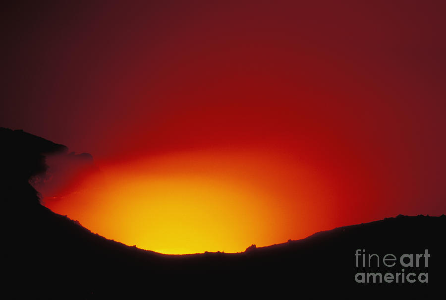 Active Photograph - Lava Flows At Night by William Waterfall - Printscapes