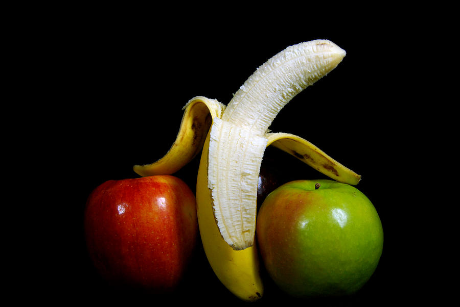 Banana Photograph - Lean On Me by Maria Dryfhout