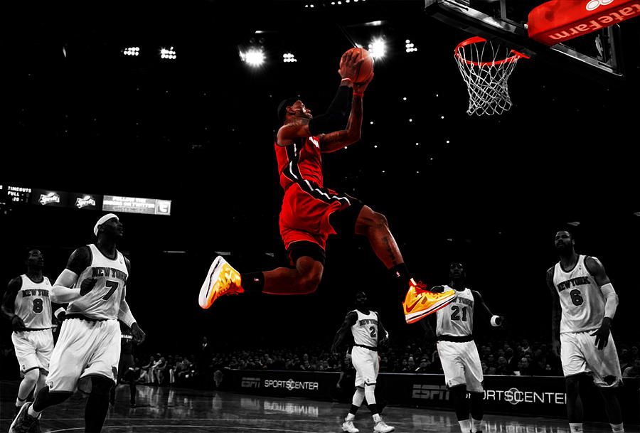 2cfcf51beb44 Lebron James Showtime Digital Art by Brian Reaves