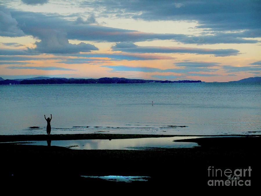 Sunset Photograph - Leddy Park Vt Arms Raised to the Sun by Felipe Adan Lerma
