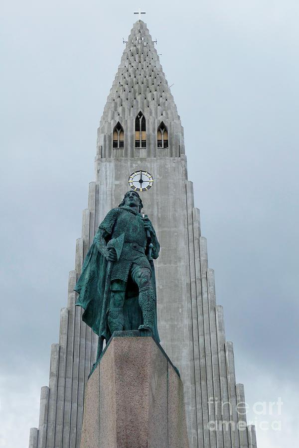 Leif Erickson Statue Photograph