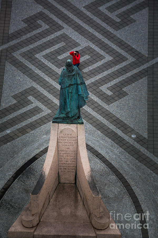 Art Work Photograph - Leifur Eriksson Statue by Dan Hartford