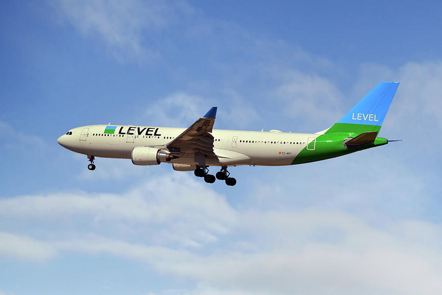 Level Photograph - Level Airbus A330-202 by Smart Aviation