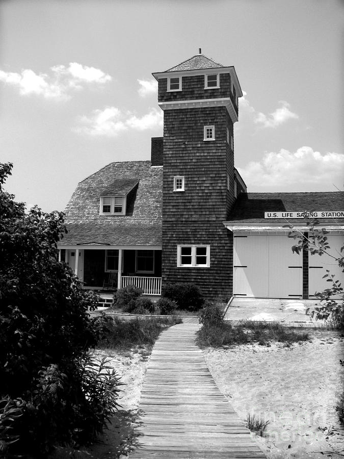 Sandy Hook Photograph - Life Saving Station by Colleen Kammerer