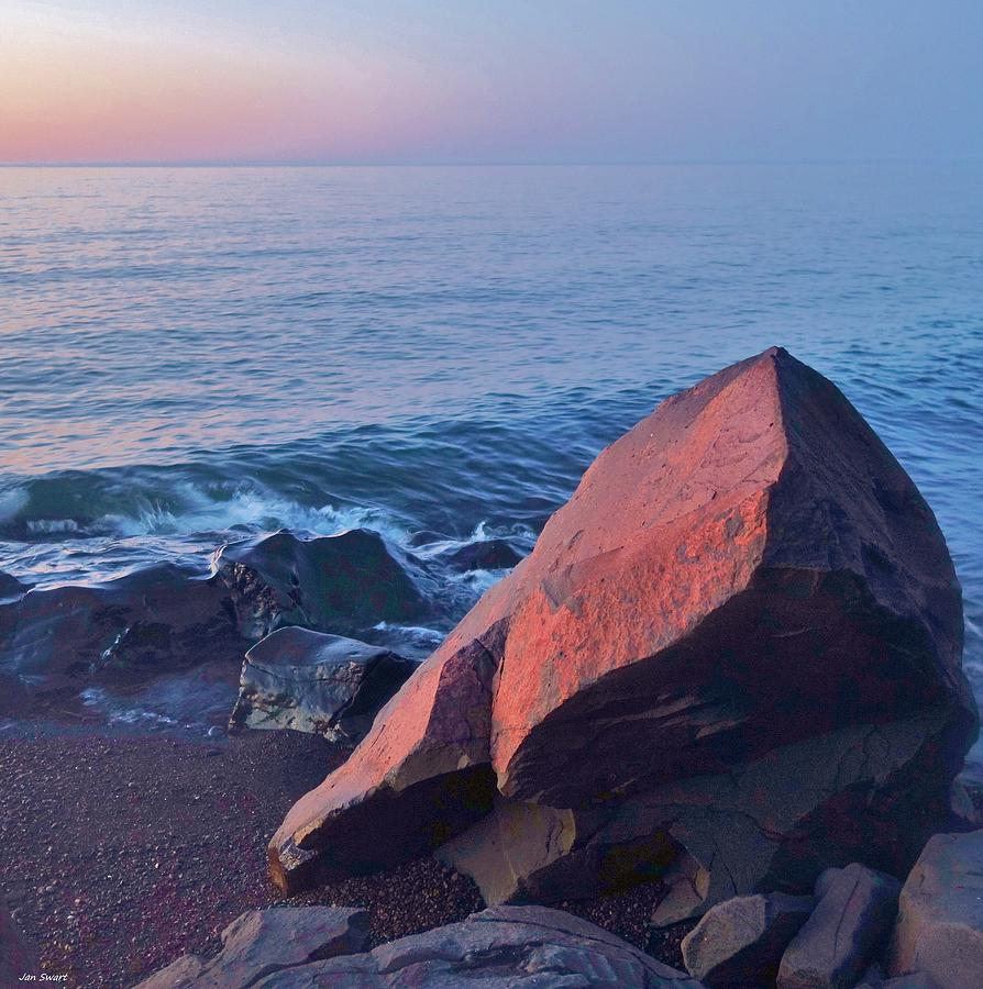 light on the rock duluth mn photograph by jan swart