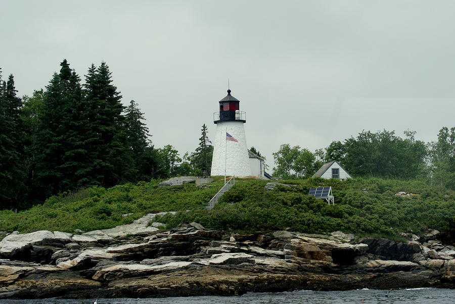 Lighthouse Photograph - Lighthouse At Boothbay Harbor by Lois Lepisto