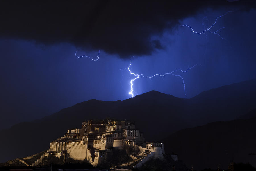 Lightning over Potala Palace, Lhasa, 2007 by Hitendra SINKAR