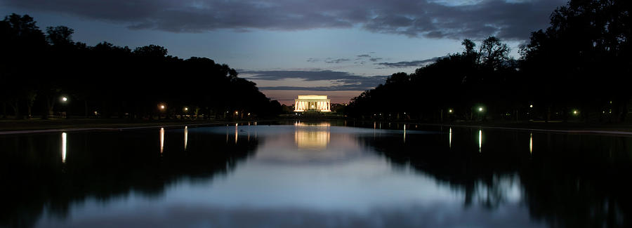 Washington Photograph - Lincoln Memorial At Twilight by Colleen Joy