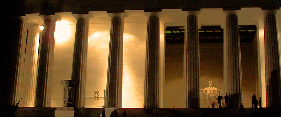 Memorial Photograph - Lincoln Memorial By Night by Wayne King