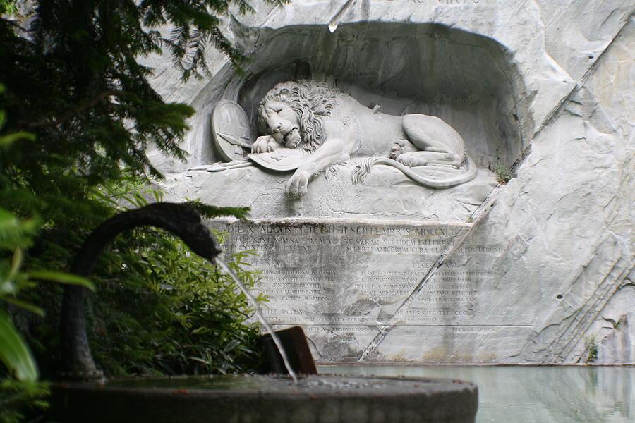 Switzerland Photograph - Lion Monument Lucerne Switzerland by Greg Sharpe