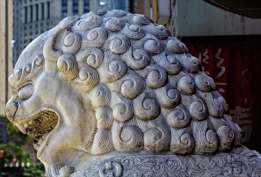 Lion Statue Photograph - Lion Statue Chinatown Nyc by Robert Ullmann