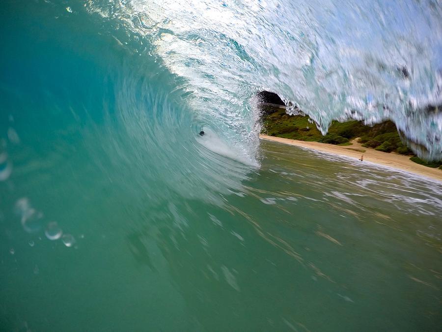 Wave Photograph - Living On A Prayer by Benen  Weir